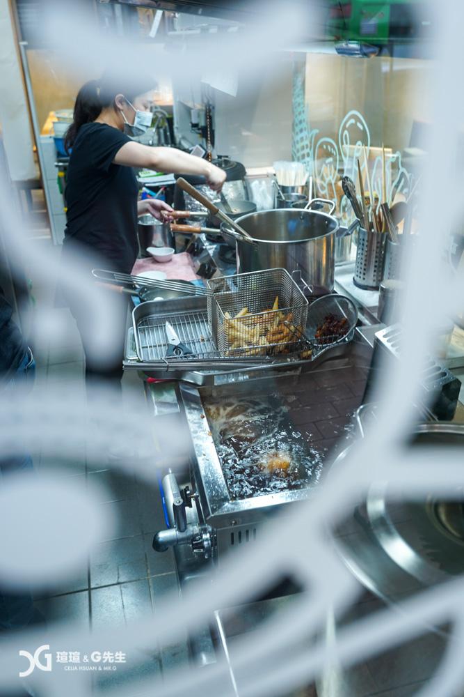 吾麥食事 鍋燒麵 咖哩飯 溫沙拉 台中鍋燒麵推薦 益民商圈美食 一中街美食 台中美食